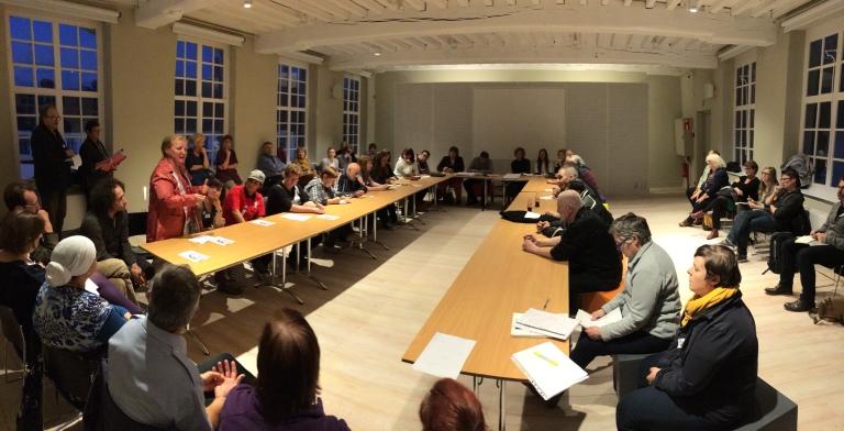 Mensen in armoede gingen in dialoog met de OCMW-raad van Kortrijk.